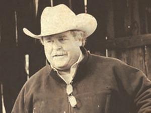 Portrait of artist David Stoeklein